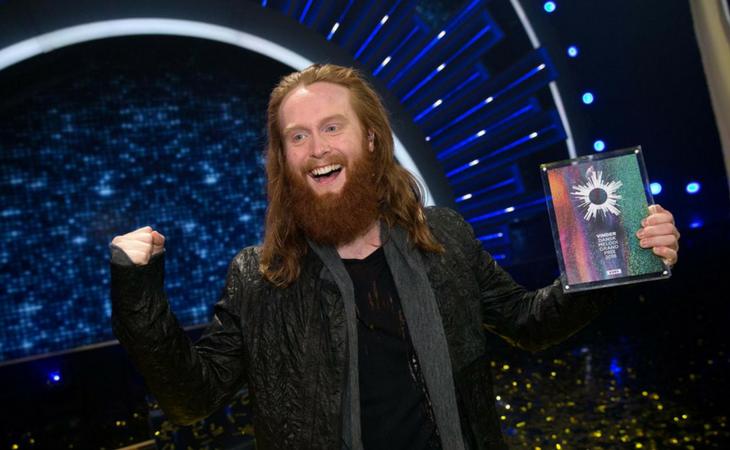 Rasmussen en el momento de ganar el Melodi Grand Prix