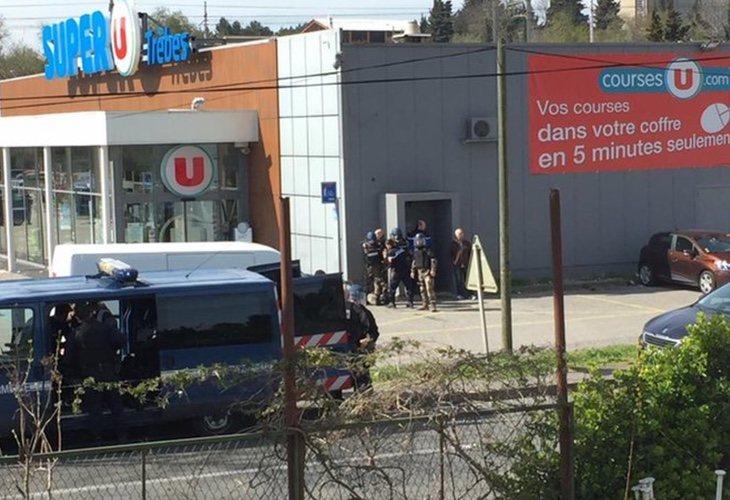 La Policía se ha desplazado rápidamente a la zona e intenta liberar a los rehenes