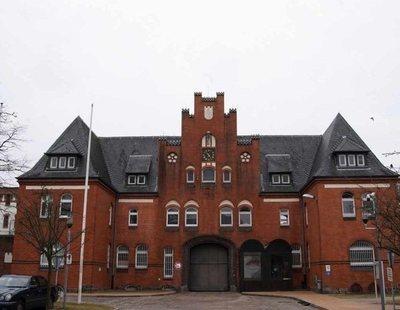 Así es Neumünster, la cárcel alemana en la que duerme Carles Puigdemont