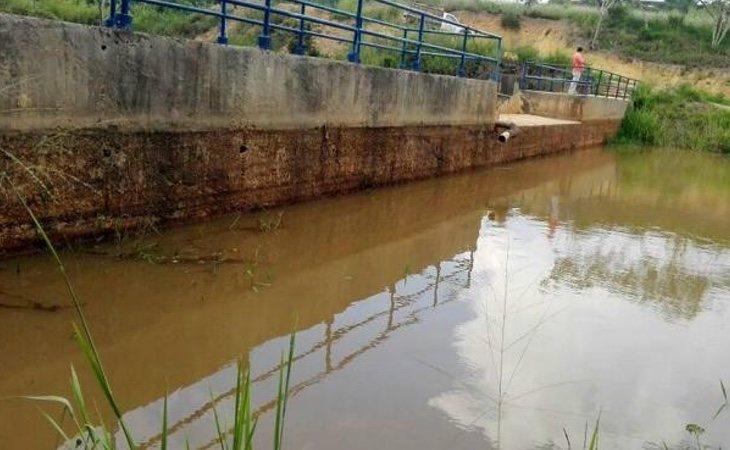 La intensa sequía y la falta de aguas lluvias deja sin agua a sus habitantes