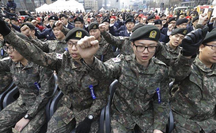 En Corea del Sur, los jóvenes deben ingresar al servicio militar durante dos años
