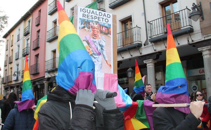 Procesión de la Diversa Cofradía de la Santísima Igualdad y el Divino Respeto celebrada en Valladolid