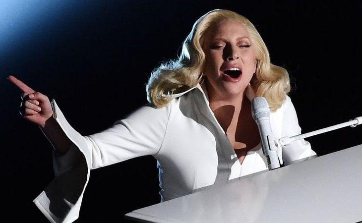 Actuación de Lady Gaga en los Oscar 2016