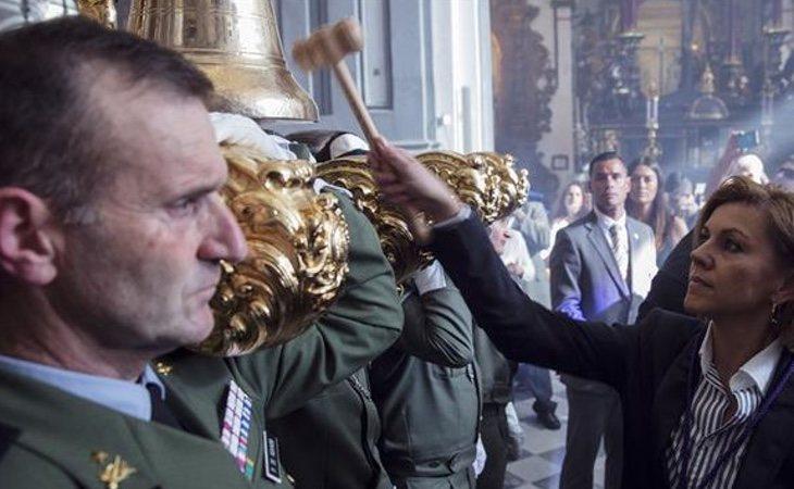 La ministra de Defensa opina que forma parte de nuestra cultura y por ello parte importante del pueblo español