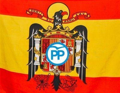 Un alcalde del PP colgó una bandera franquista en su Facebook durante la Semana Santa