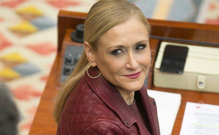 Cristina Cifuentes se aferra al cargo