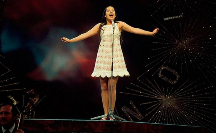 Massiel sobre el escenario del Royal Albert Hall