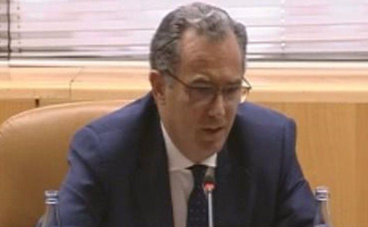 Ossorio compareció en la Asamblea por la gestión irregular del Canal de Isabel II
