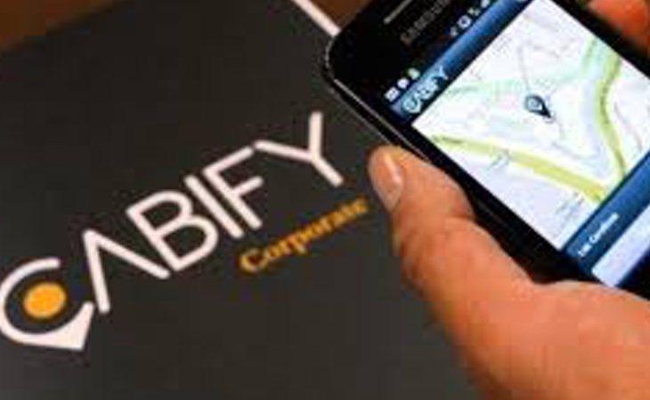 La joven llamó al servicio de Cabify a través de la app