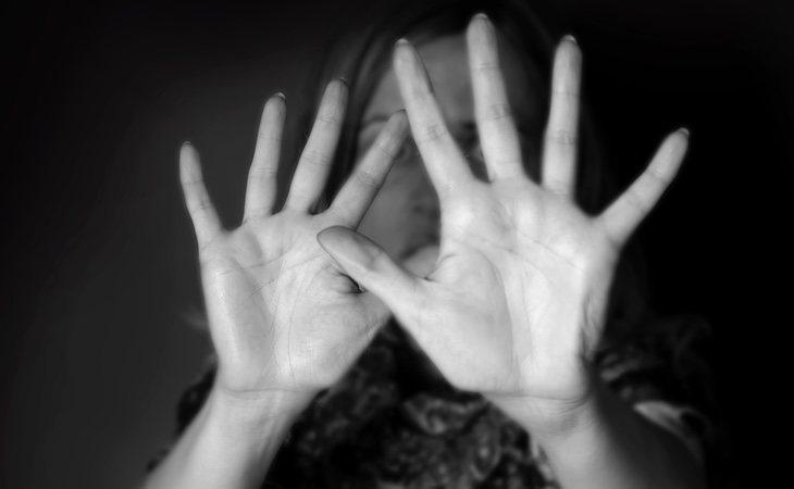 Acada agente dedicado a garantizar la seguridad le corresponde una media de más de medio centenar de mujeres