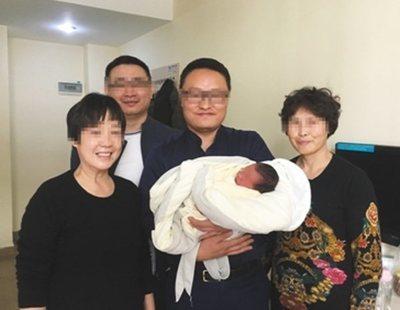 Nace un bebé en China cuatro años después de la muerte de sus padres
