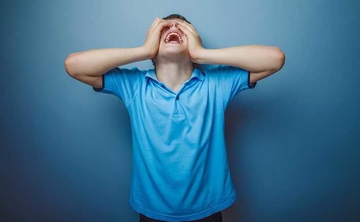 La optofobia es el miedo a abrir los ojos