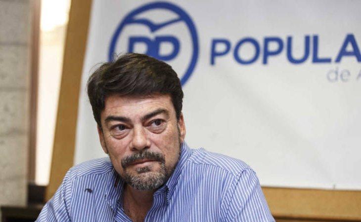 Luis Barcala se ha alzado con el bastón de mando de la localidad