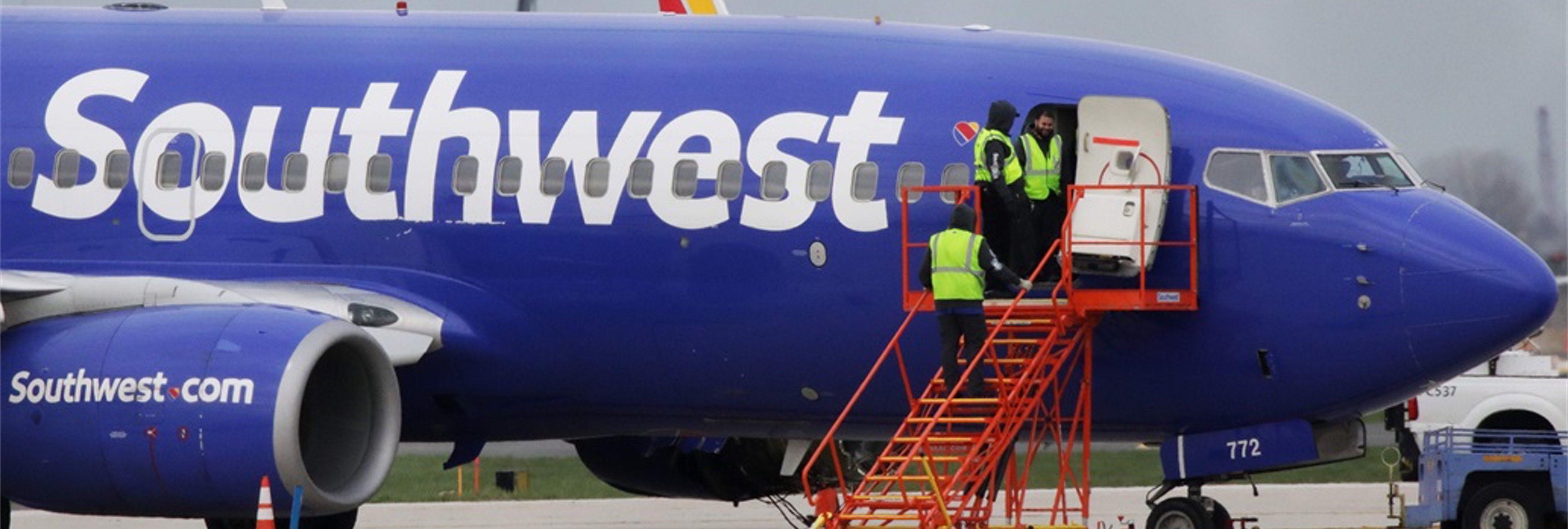 Retransmite en Facebook Live su despedida en el vuelo en el que una mujer murió succionada