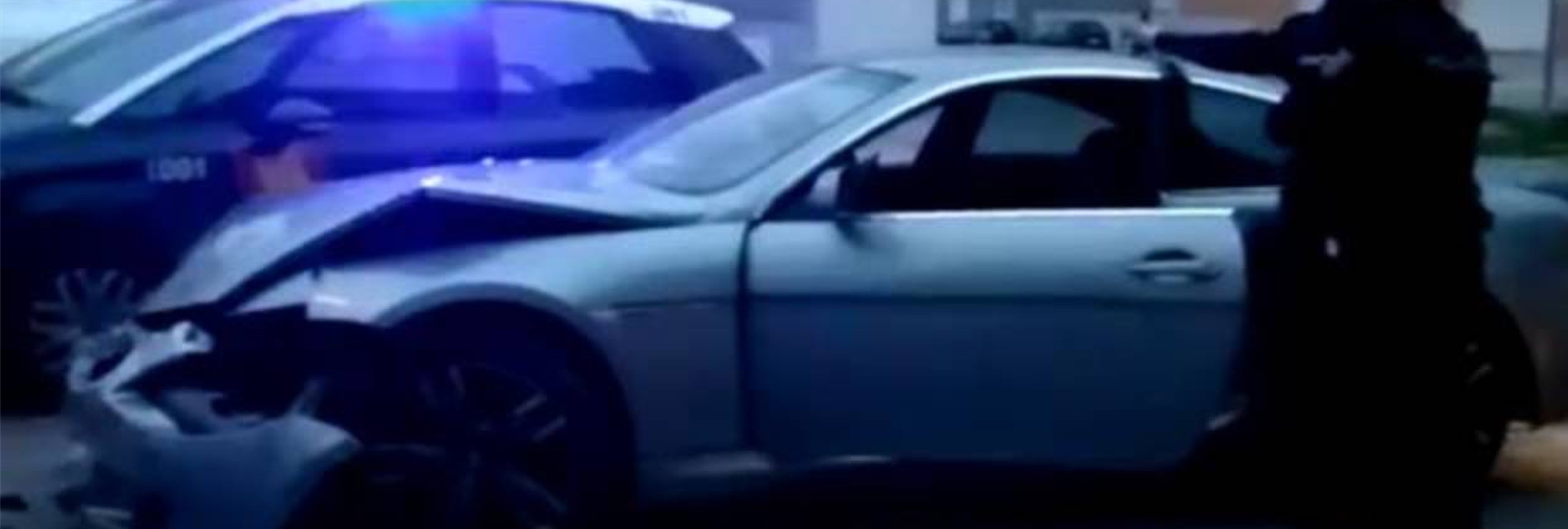 Abandona a su hija y su mujer tras empotrar drogado su BMW contra otro coche en Vallecas