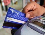 La Guardia Civil alerta de una banda que roba tarjetas de crédito en supermercados