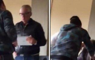 Unos alumnos agreden a su profesor de 64 años para divertirse en las redes