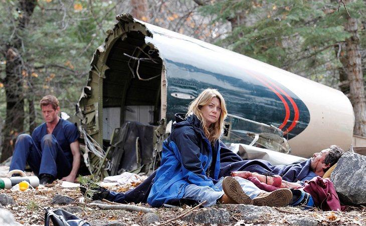 """Mark, Meredith e Derek dopo aver subito un incidente aereo in """"Grey's Anatomy"""""""