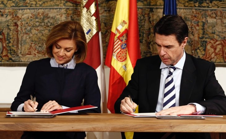 El sector de Cospedal está debilitado tras las salidas de Margallo y Soria