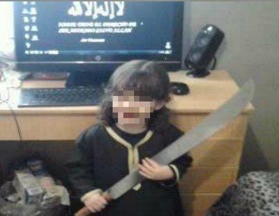 El libertad un terrorista del Daesh en Melilla que grabó a su hijo portando un machete