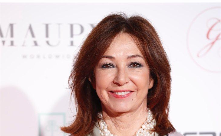 La presentadora Ana Rosa ha comentado que Cifuentes padecía cleptomanía, pero ya está curada