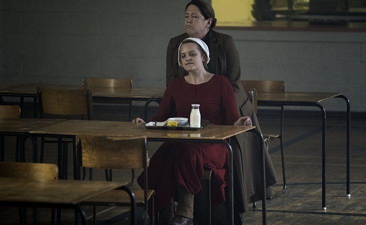 'The Handmaid's Tale' consiguió varios Premios Emmy y Globos de Oro