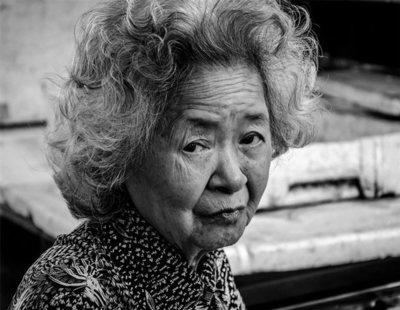 En Japón, las ancianas cometen delitos para ir a la cárcel y no tener que malvivir