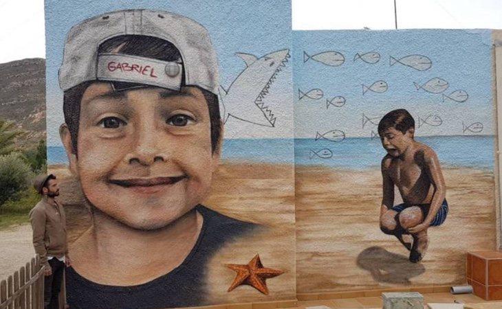 Un mural dedicado a Gabriel se encuentra a escasos metros de la casa de su abuela paterna
