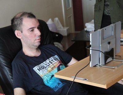 Una lucha a contrarreloj: atrapado en un cuerpo inerte por la ELA