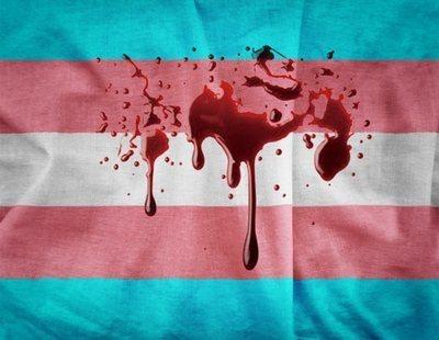 Una pareja de transexuales es agredida por uno de sus vecinos en Torremolinos