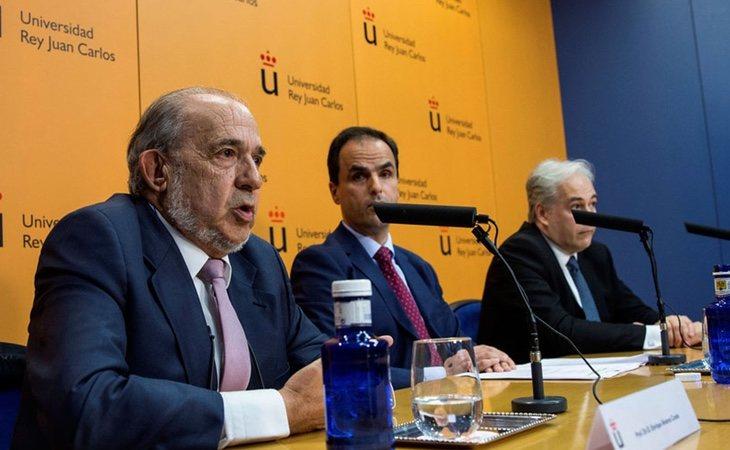 Álvarez Conde y Javier Ramos mintieron en la rueda de prensa posterior al escándalo del máster