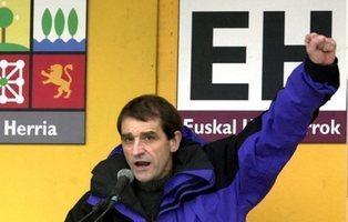 """ETA se disuelve en un comunicado y llama a sus militantes a luchar """"por otras vías"""""""