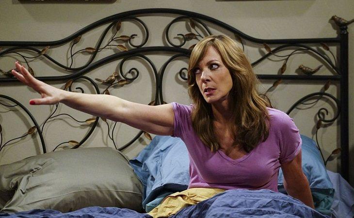 Allison Janney como Bonnie en 'Mom'