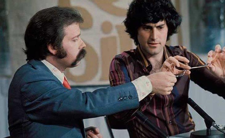 José María Íñigo junto a Uri Geller en 'Estudio Abierto'