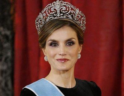 Los gestos de la reina Letizia que están dejando en evidencia a la Corona española
