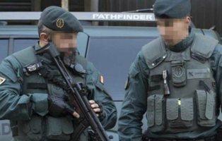 Nueve guardias civiles abren paso a tiros ante 40 narcotraficantes en Algeciras