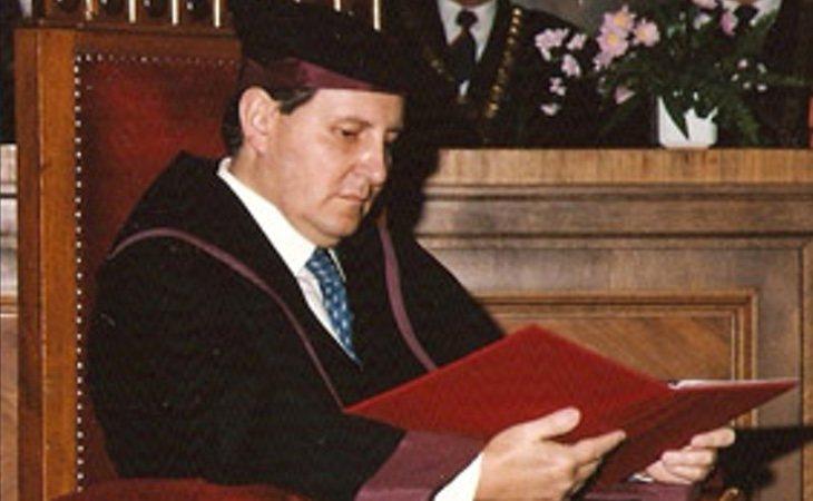 El popular Gustavo Villapalos recibió el encargo de fundar la URJC