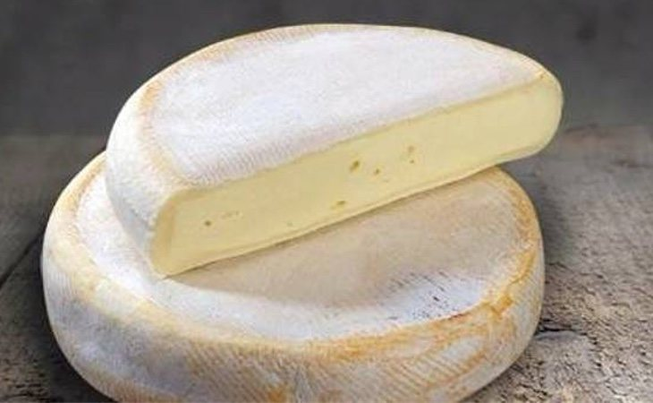 Sanidad ha ordenado la retirada del queso Rebolchon en varios supermercados