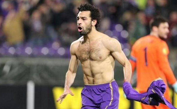 El jugador egipcio además de ser muy atractivo es una persona muy solidaria