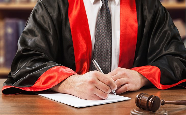 El juez impuso 60 días de servicios sociales al menor