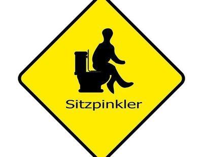 Sitzpinkler o la moda masculina de mear sentado: la polémica que ha salpicado Alemania