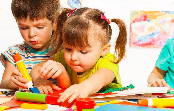 El contacto con otros niños es beneficioso para los bebés
