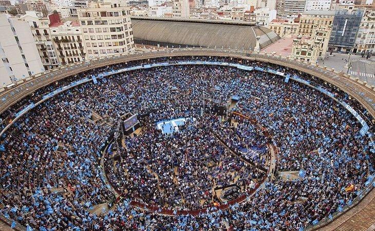 Los mitines del PP conseguían llenar la plaza de toros de Valencia