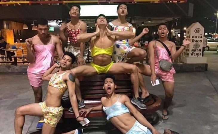 El grupo de camareros tailandeses que se está haciendo viral