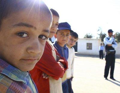 Sexo con menores a cambio de comida: así operan más de 40 organizaciones humanitarias