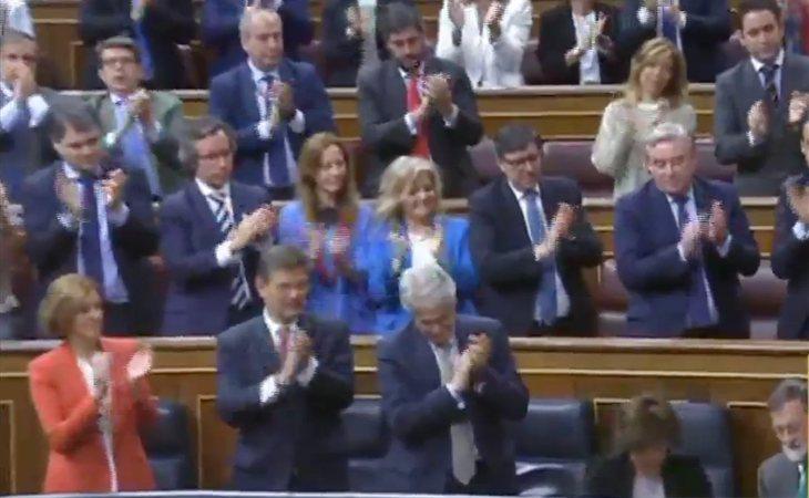 Aplausos del PP a su amado líder tras su intervención