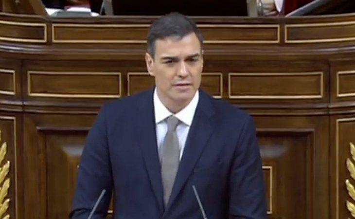 Pedro Sánchez defiende la moción: 'La solución se llama regeneración democrática y Rajoy no puede formar parte de ella'