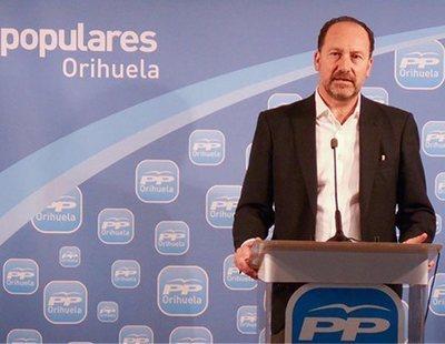 El alcalde de Orihuela (PP) cobró durante seis años de Sanidad sin ir a trabajar