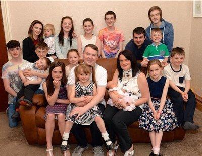 La familia más grande de Reino Unido espera a su bebé número 21