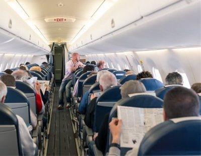 Atrapada en pleno vuelo con un compañero de butaca que se masturbó durante todo el viaje